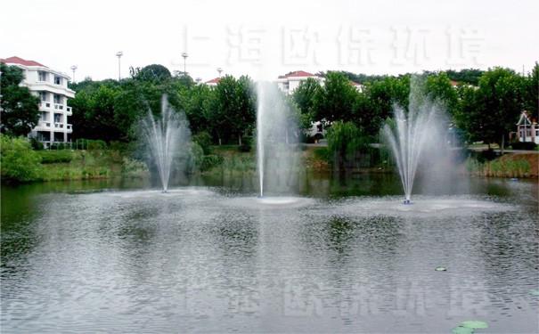 浮水喷泉式曝气机应用于景观湖