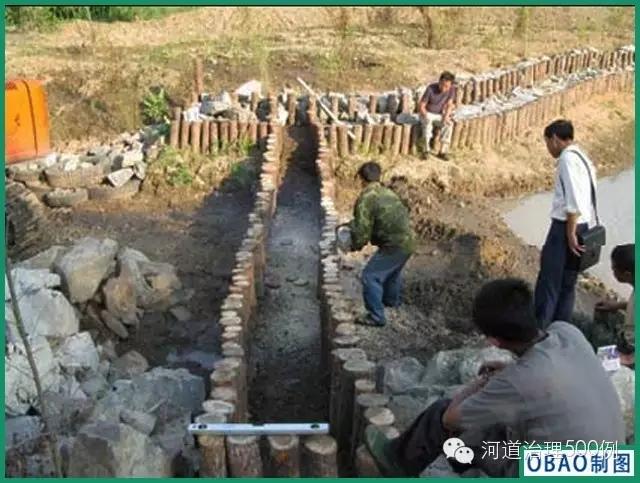 圆木桩施工方案